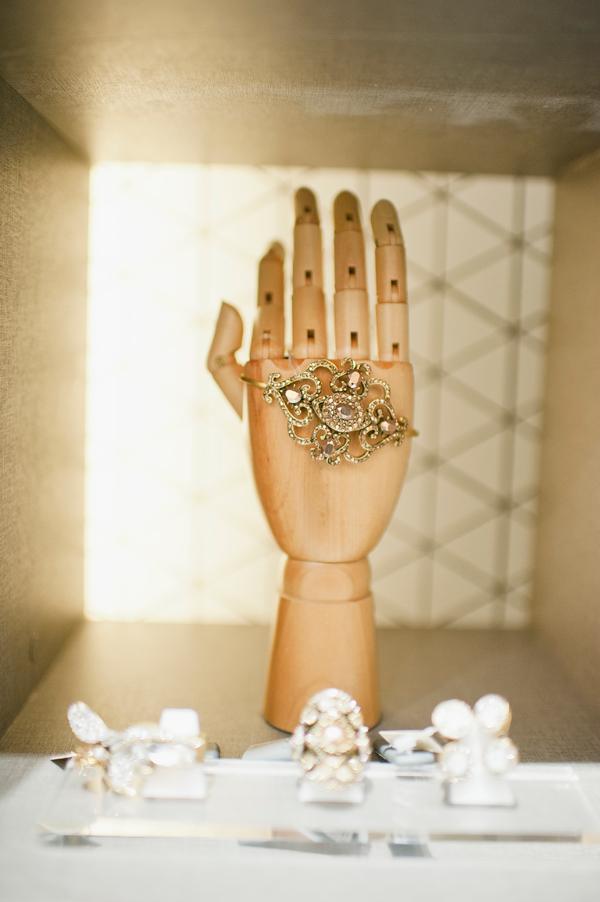 Hand T. Arrigoni Bracelete Bauhaus, no banho de ouro com cristais swarovski