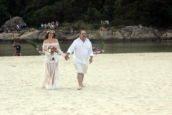 casamento-praia-guarda-embau-lises-3
