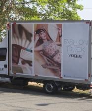 <!--:pt-->Vogue Eyewear Fashion Truck<!--:-->