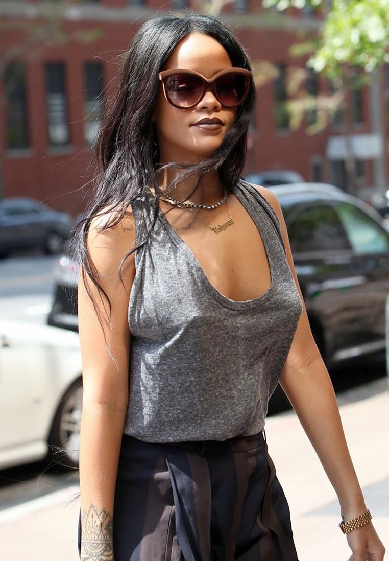 Rihanna wearing Italia Independent sunglasses