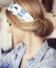 Amarrações de lenços, faixas e fitas na cabeça