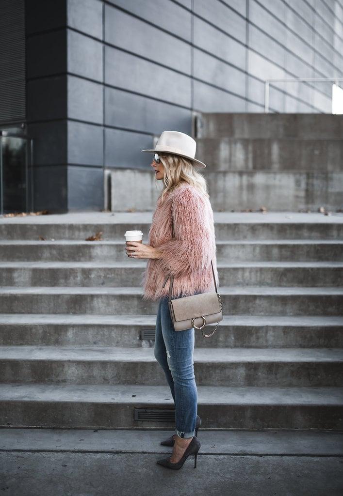 No inverno, uma opção incríveeeel pra cumprir esse papel é o casado de  pelo, ou furry coats, que não só estão super in style, mas aquecem que é  uma ... 5ba2a7d9b8