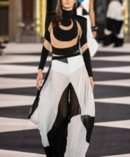 Balmain Summer/Spring 2020 na Paris Fashion Week