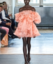 Giambattista Valli Summer/Spring 2020 na Paris Fashion Week